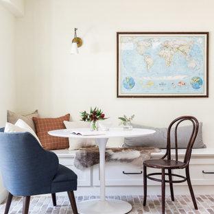 Réalisation d'une véranda tradition de taille moyenne avec un sol en brique, aucune cheminée, un plafond standard et un sol rose.