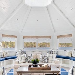 Foto de galería marinera con techo con claraboya