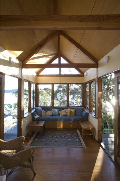 Traditional Sunroom by palaestra