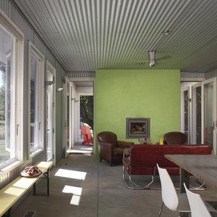 Foto de galería industrial con suelo de cemento