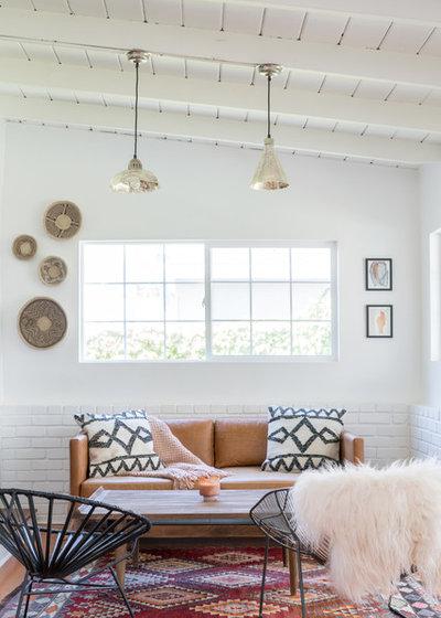 Midcentury Sunroom by Oh beauty Interiors
