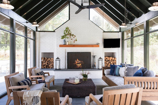 Farmhouse Sunroom by Acanthus Architecture, PA