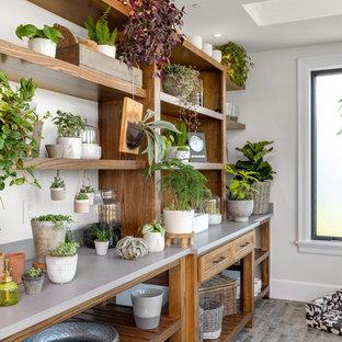 Geräumiger Landhaus Wintergarten mit Keramikboden, Oberlicht und grauem Boden in Portland