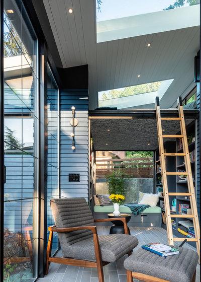Contemporary Sunroom by Proform Construction LLC