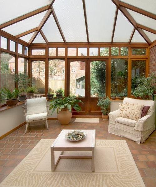 idee Glass veranda : Verandas et verri?res avec un plafond en verre et un sol en brique ...