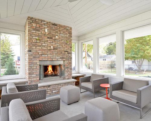 Sunrooms with fireplaces houzz for Proiettato in veranda con camino