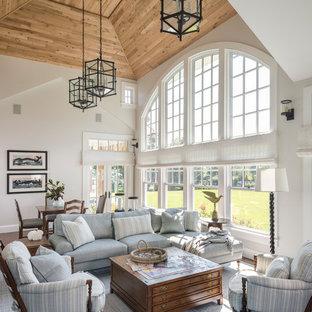 Ispirazione per una veranda costiera con nessun camino e soffitto classico