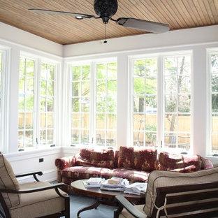 Imagen de galería tradicional con techo estándar