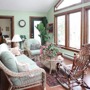 Foto di una veranda rustica di medie dimensioni con nessun camino, soffitto classico e pavimento in sughero