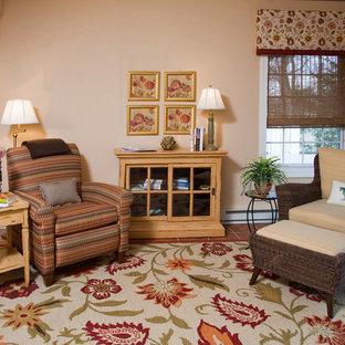Diseño de galería bohemia, de tamaño medio, con suelo de baldosas de terracota y estufa de leña
