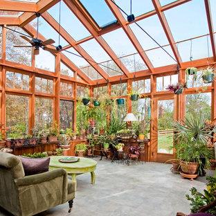 Großer Klassischer Wintergarten ohne Kamin mit Travertin und Glasdecke in Philadelphia