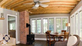 Sunroom: Exposed rafters