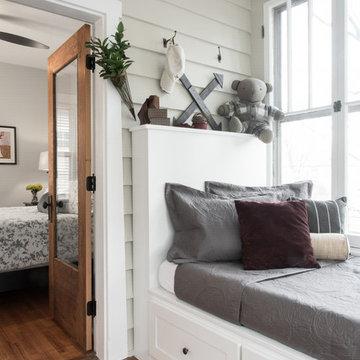 Sunroom/Guest Room