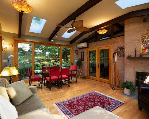Foto e idee per verande veranda moderna con camino for Idee di veranda laterale