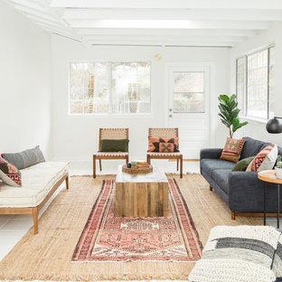 Inspiration för lantliga uterum, med tak och vitt golv