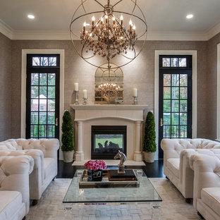 Idée de décoration pour une véranda tradition de taille moyenne avec une cheminée double-face et un plafond standard.