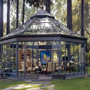Großer Stilmix Wintergarten ohne Kamin mit Glasdecke und Porzellan-Bodenfliesen in San Francisco
