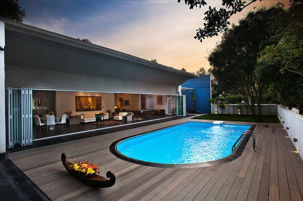 Contemporary Swimming Pool by Advani and Associates