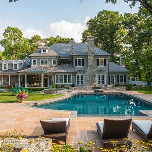 Ejemplo de casa de la piscina y piscina tradicional a medida