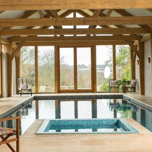 На фото: бассейн в доме в стиле кантри