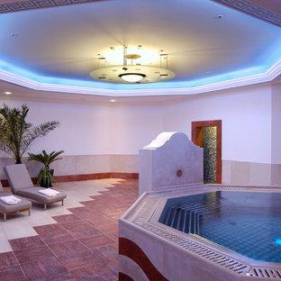 Immagine di una piscina minimalista