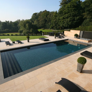 Example of a trendy rectangular pool design in London