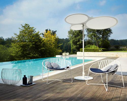 grande piscine hors sol simple gonflable piscine hors sol grande piscine gonflable flotteurs. Black Bedroom Furniture Sets. Home Design Ideas
