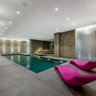 Photo of a contemporary swimming pool in London.