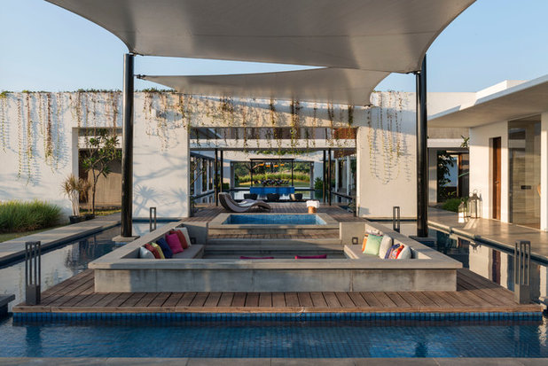 Contemporary Terrace by Atelier Design N Domain
