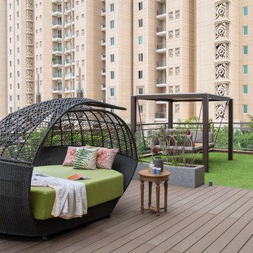 DLF Magnolias Apartment