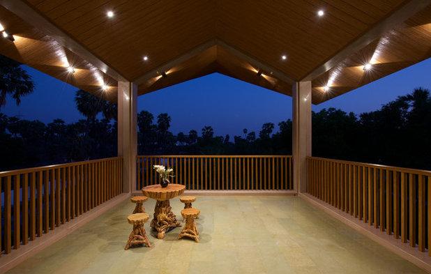 Asian Balcony by B DESIGN 24 Studio