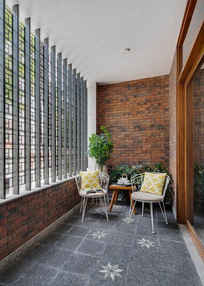 Contemporary Balcony by Yellow Door Architects