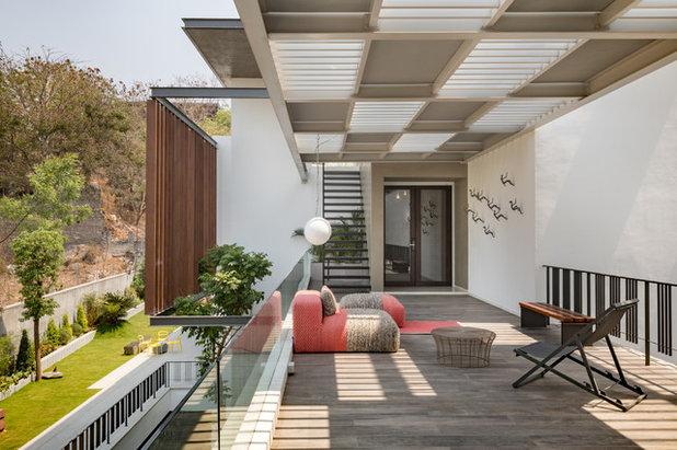 Contemporary Terrace by Moriq