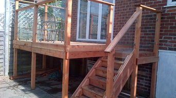 Californian red cedar deck with glass balustrade