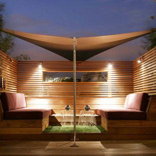 Esempio di una terrazza design