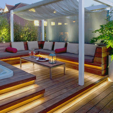 Tropical Deck by Nick Leith-Smith Architecture + Design