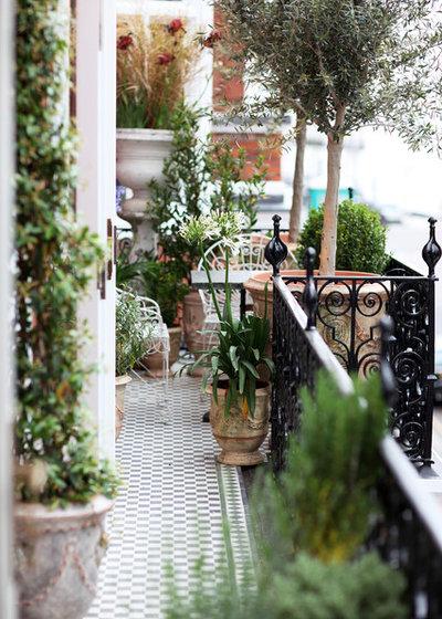 Classique Terrasse en Bois by PEEK Architecture + Design Ltd