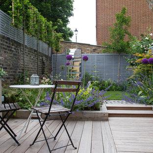 Esempio di terrazze e balconi country