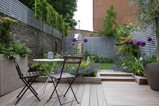 Campagne Terrasse en Bois by The Association of Professional Landscapers