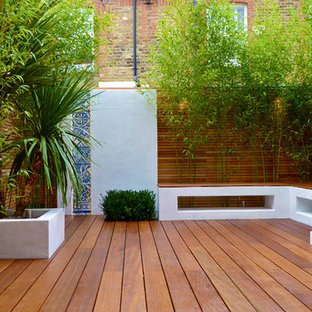 Design ideas for a small contemporary terrace and balcony in London.