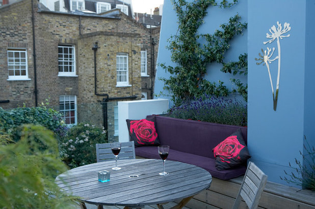 Contemporary Terrace & Balcony by London Garden Designer