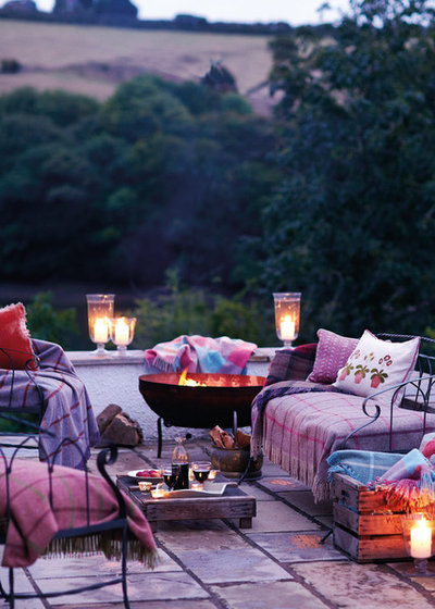 Landhausstil Terrasse by Susie Watson Designs