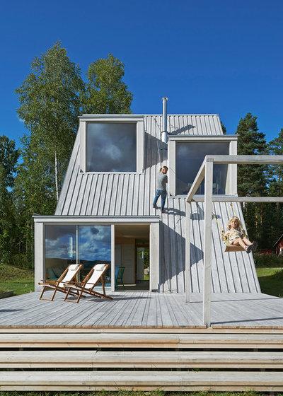 Scandinave terrasse en bois by leo qvarsebo