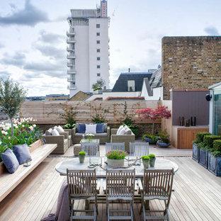 Unbedeckte Klassische Dachterrasse in London