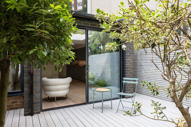 Contemporary Terrace by Southstudio Architects