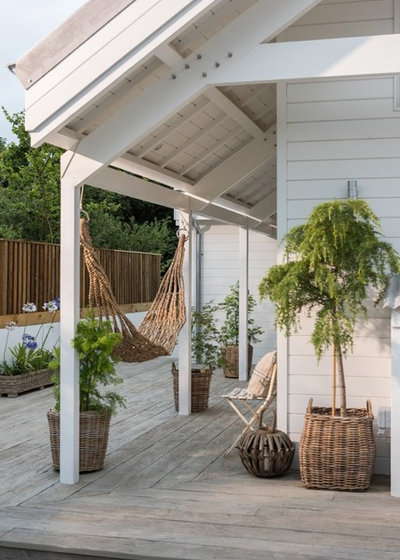 Tropical Deck by Unique Homestays