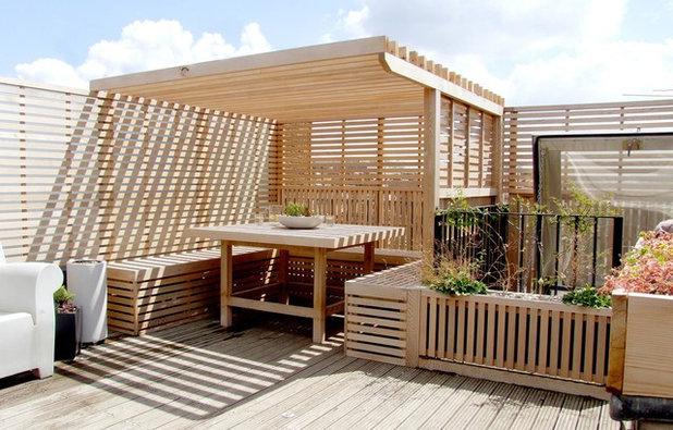 Contemporary Terrace by Adolfo  Harrison Gardens