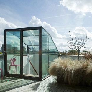 Ispirazione per una terrazza minimalista sul tetto e sul tetto