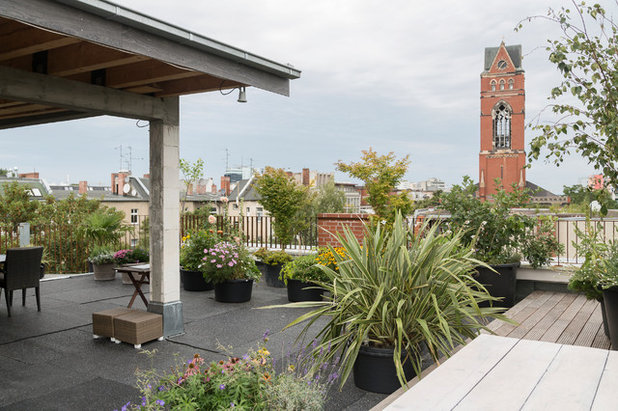 Contemporary Terrace by Maike Wagner | Fotografie
