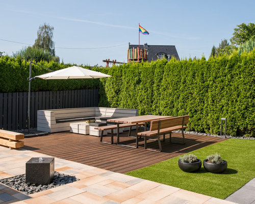gro e terrasse mit wasserspiel ideen design bilder houzz. Black Bedroom Furniture Sets. Home Design Ideas